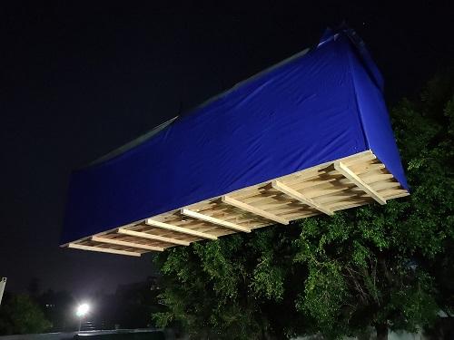 大型的喷涂设备木箱包装、吊装